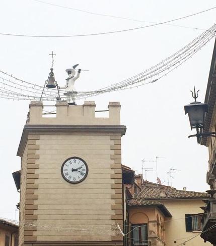 La torre dell'orologio a Montepulciano
