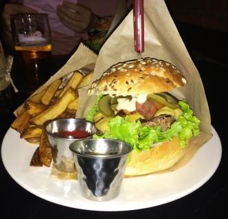 Lapidariume e l'eccelso hamburger