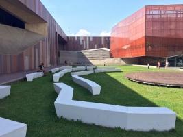 Lo spazio pubblico del centro Niccolò Copernico