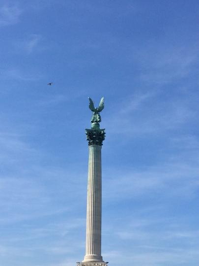 Obelisco a Piazza degli Eroi
