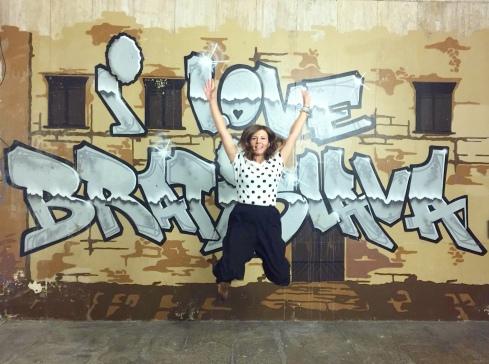 Io che amo Bratislava (il murales si trova in un sottopassaggio)