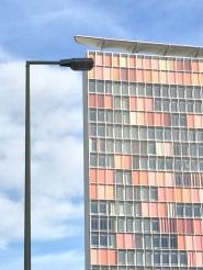 La facciata colorata del grattacielo GSW
