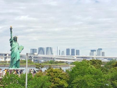 Odiava, la baia di Tokyo e la copia della Statua della Libertà