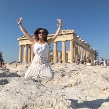 Il salto di gioia alla vista del Partenone